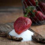 Czy cukier z owoców jest lepszy niż z cukiernicy?